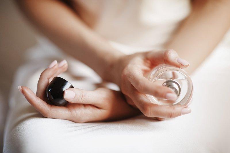 Aromas juveniles y actuales en perfumes de calidad
